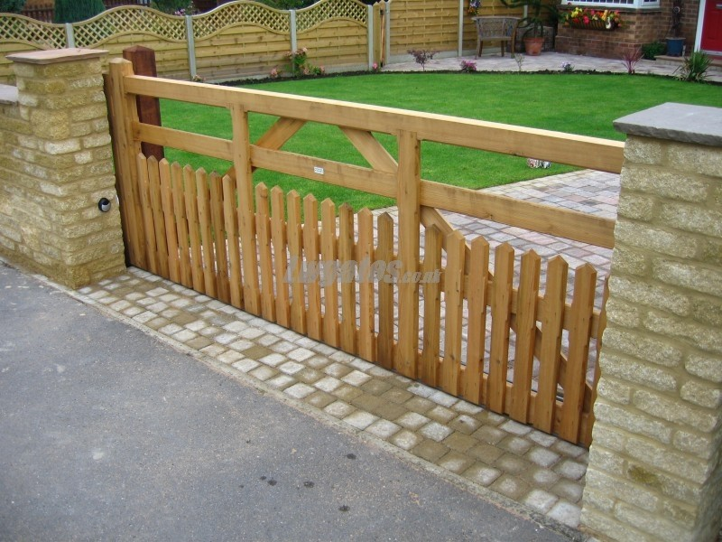 Sliding 5 Bar Half Pailing Gates Lw Systems