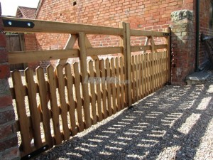 5 bar Half pailing swing gates
