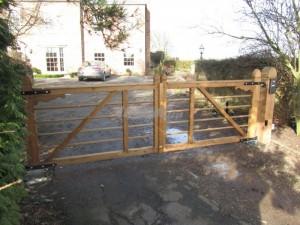 5 bar Estate swing gates