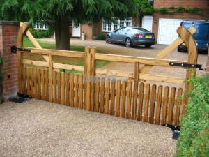 5 bar hookback half pailing swing gates