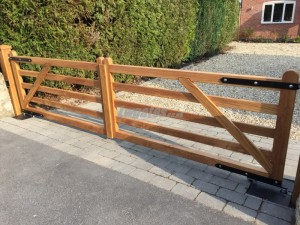 Oak 5bar gates