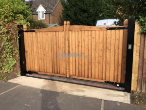 Softwood Slanted Top Gate